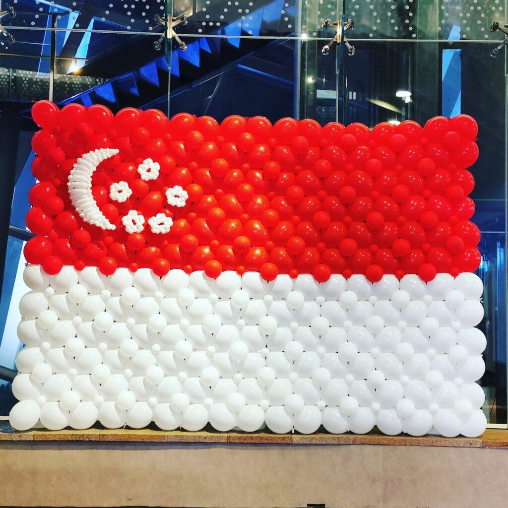 Singapore Flag Balloon Backdrop Decoration 1
